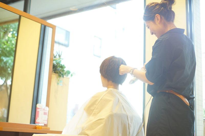 早期デビュー(早期スタイリストデビュー)について。お客様に喜んでもらえる美容師になろう!