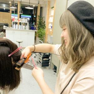 美容師の早期デビュー(早期スタイリストデビュー)について。レッスンを頑張るSnipの美容師